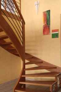 Avant de redescendre l'escalier contemporain...