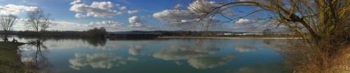 Vue panoramique Lac de Montagny les Beaune - base nautique au fond